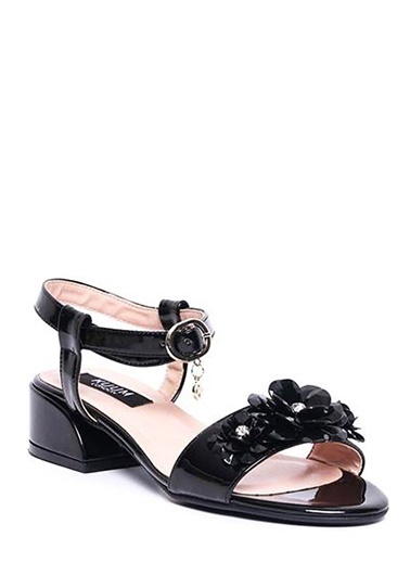 Kuum Kalın Topuklu Sandalet Siyah